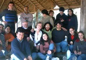 Otra imagen del grupo Guyunusa reunido